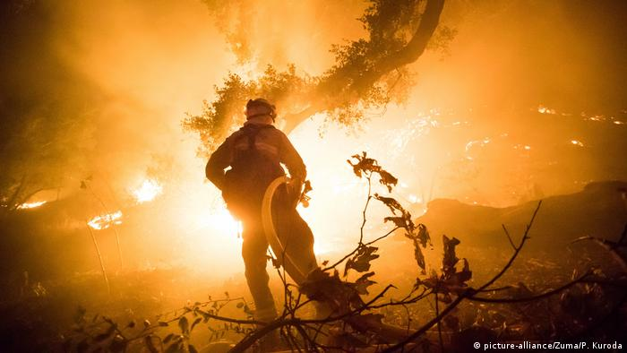 Thousands of fire fighters are fighting Thomas Fire