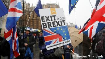 Anti Brexit protesters in London Houses of Parliament Anti Brexit Protest (Reuters/P. Nichols)