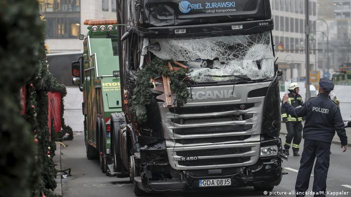 Truck used in Breitscheidplatz used in Berlin attack (picture-alliance/dpa/M. Kappeler)