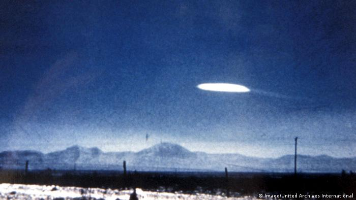 A mysterious light over White Sands, New Mexico in October 1957.