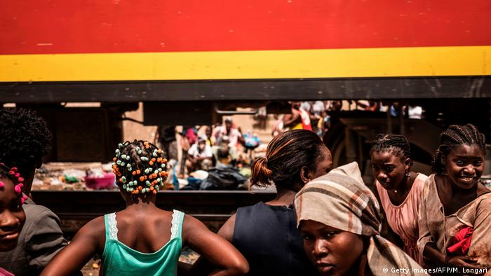 Angola Eisenbahnlinie bei Luanda