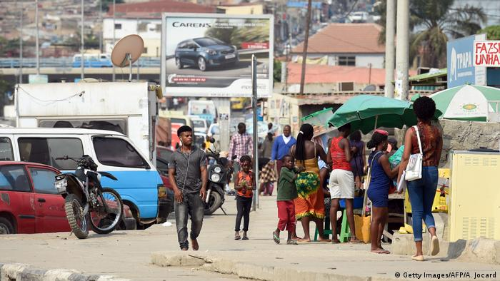 Angola Straßenhändler in Luanda