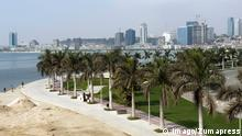 Angola Skyline von Luanda mit Boulevard