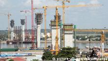 Mosambik Stradtbild von Maputo Bauarbeiten Katembe-Brücke