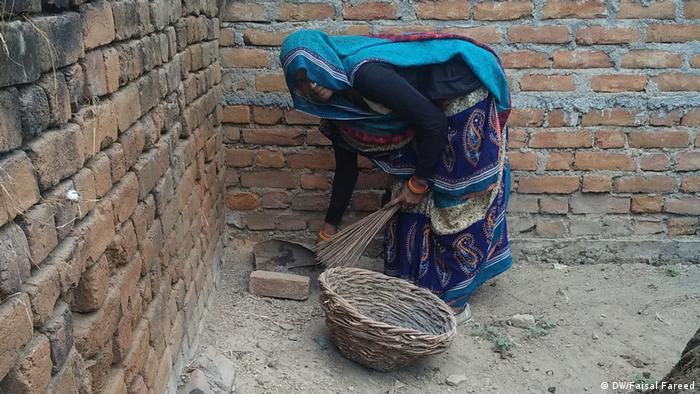 زنان در هندوستان حتی به پاک کاری مدفوع انسانی اشتغال دارند  