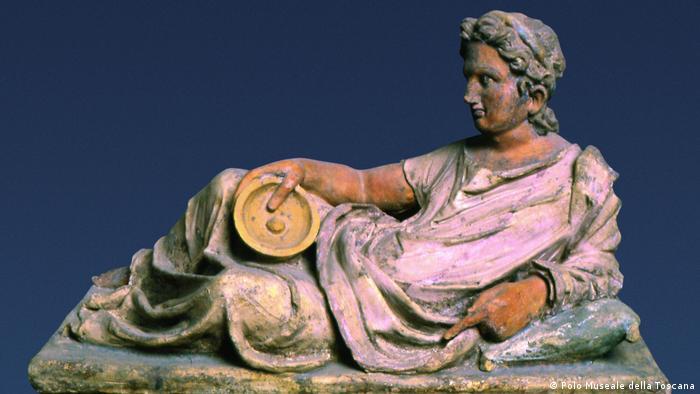 Скульптура с одного из этрусских захоронений. II век до н. э.