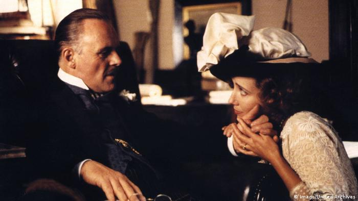 Filmszene mit Anthony Hopkins in Wiedersehen in Howards End (Foto: Imago/United Archives)