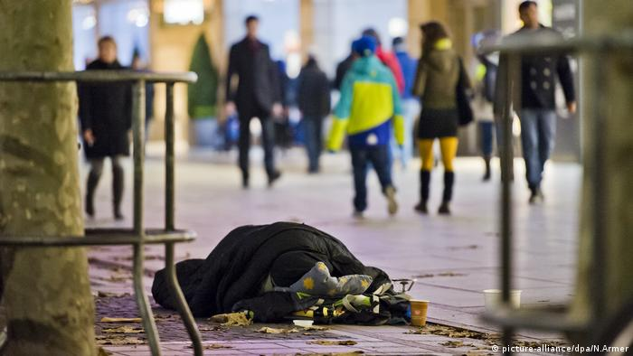 Obdachlose in Frankfurt am Main (picture-alliance/dpa/N.Armer)
