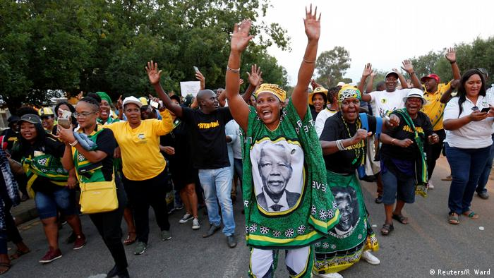 Supporters of South African President Cyril Ramaphosa
