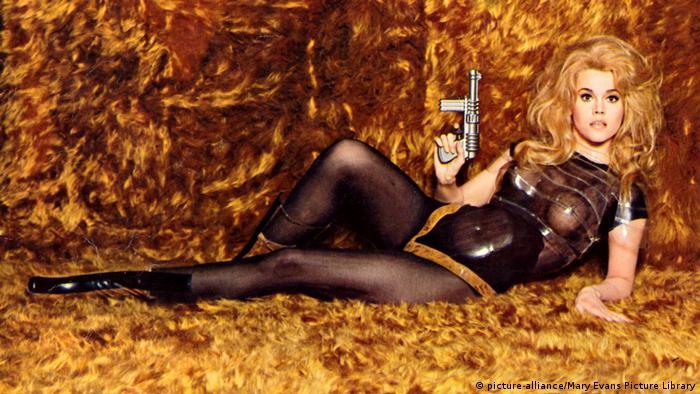 Jane Fonda in Barbarella (picture-alliance/Mary Evans Picture Library)