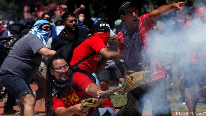 Argentinien Proteste in Buenos Aires (Reuters/M. Acosta)