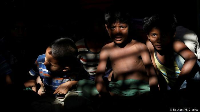 Myanmarlı Müslüman çocuklar kayıp bir nesle dönüşüyor