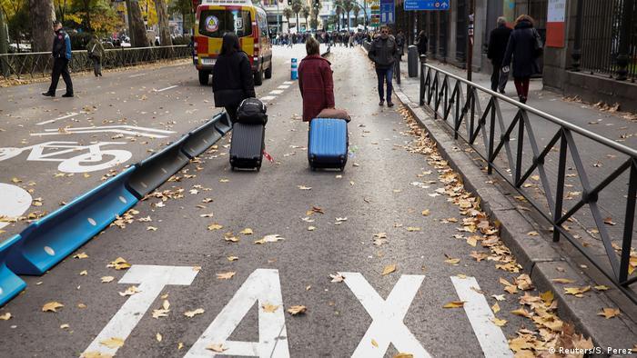 Spanien Taxifahrer Protest und Demonstration gegen Uber in Madrid