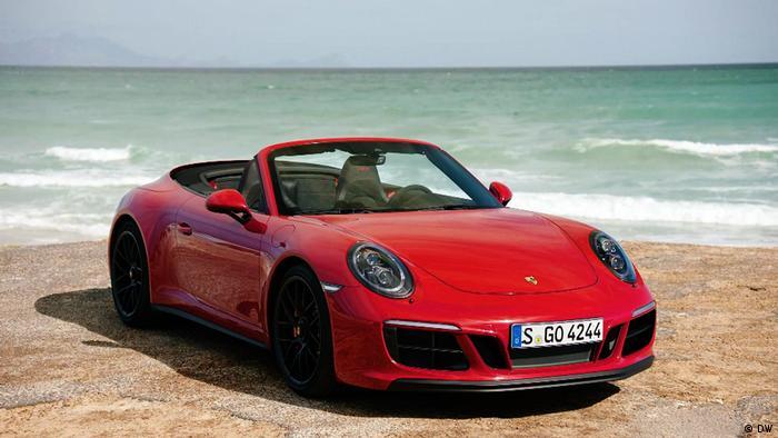 Porsche 911 на побережье