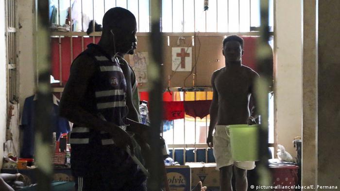 Indonesien Überfüllung in Einwanderer-Internierungslager (picture-alliance/abaca/E. Permana)