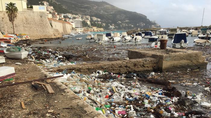Platični otpad u moru kod Dubrovnika