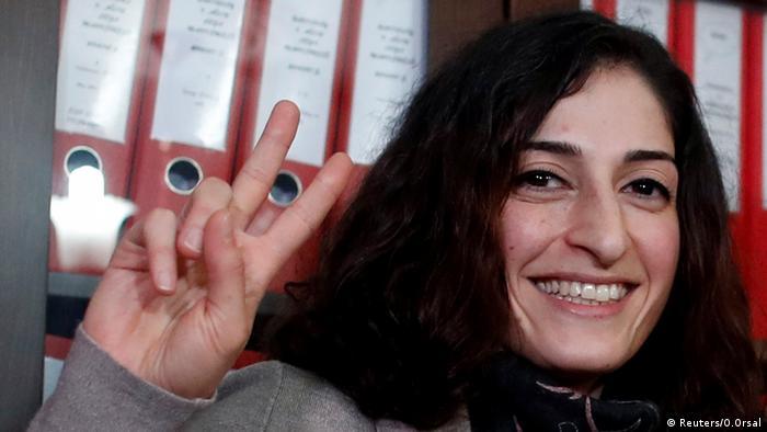 Türkei, Istanbul, freigelassene Journalistin Mesale Tolu (Reuters/O.Orsal)