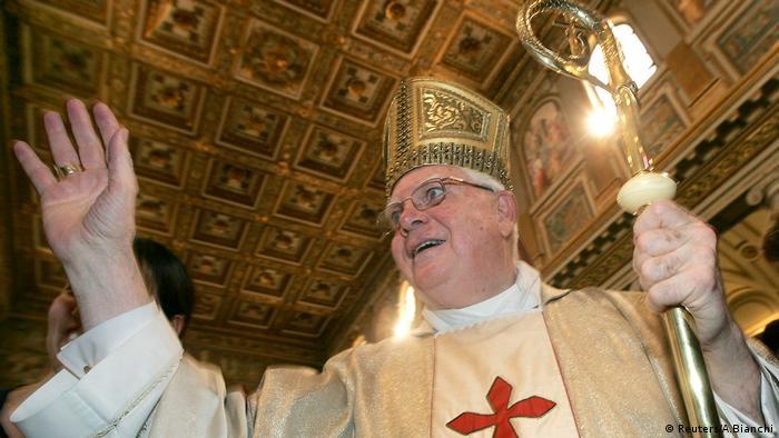Kardinal Bernard Law, der in Ungnade gefallene ehemalige Erzbischof von Boston (Reuters/A.Bianchi)