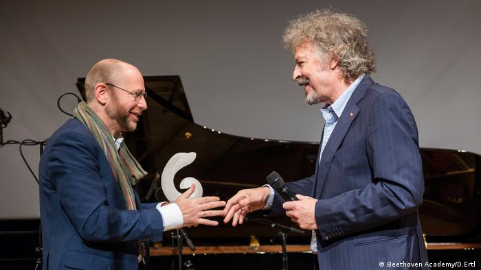 Torsten Schreiber and Wolfgang Niedecken at the Beethoven Prize awarding ceremony (Beethoven Academy/D.Ertl )