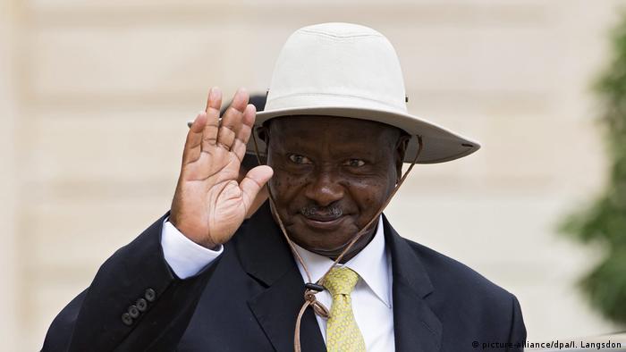 Ugandan President Yoweri Museveni waved (picture alliance / dpa / Langsdon).