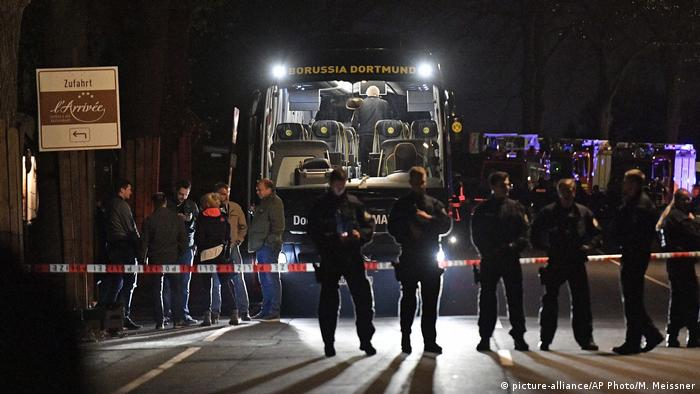 The windows of the bus were shattered, injuring a BVB player and a police officer as the team were headed to a Champions League game against AS Monaco