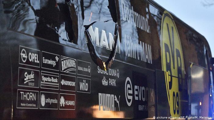 En el juicio por el ataque con explosivos perpetrado en abril pasado contra el autobús del Borussia Dortmund, el único inculpado admitió hoy haber llevado a cabo el atentado, pero negó haber tenido la intención de matar a los ocupantes del vehículo. Lamento profundamente mi comportamiento, dijo el ruso-germano Serguei W., de 28 años, ante el tribunal de la ciudad de Dortmund.