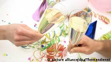 Symbolbild Silvesterparty zu Hause feiern