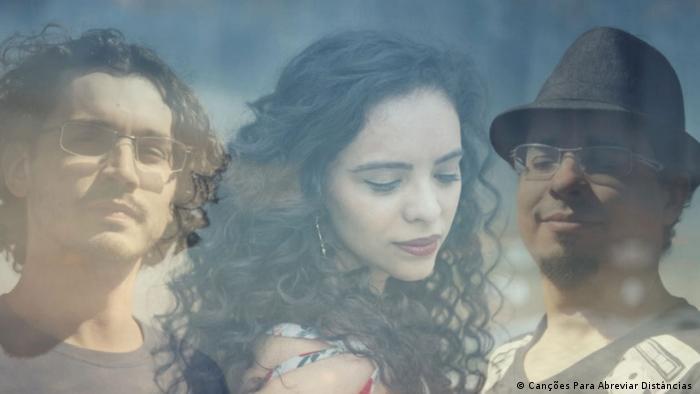 Brasilianische Band - Poemas Trio - Abreviando fronteiras