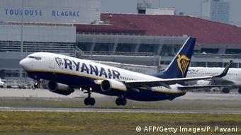 Η Ryanair αλλάζει τον κανονισμό για τις χειραποσκευές