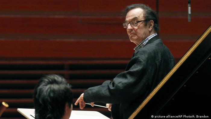 Conductor Charles Dutoit (picture-alliance/AP Photo/A. Brandon )