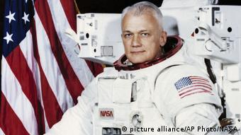 USA - Obit Space Bruce McCandless 1982 (picture alliance/AP Photo/NASA)