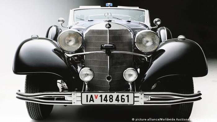 Hiter's parade Mercedes (picture-alliance/Worldwide Auctioneers/Cover Images)