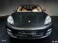 Porsche Panamera, вид спереди. Шанхай, 20 апреля 2009 года
