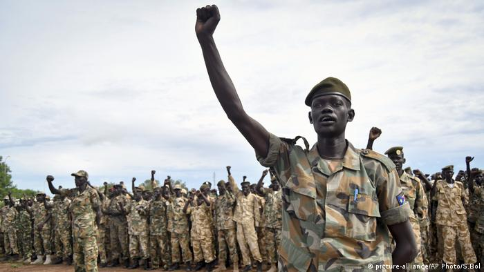 Südsudan Archiv Soldaten (picture-alliance/AP Photo/S.Bol)