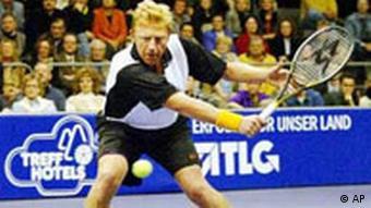 Boris Becker spielt Tennis in Magdeburg