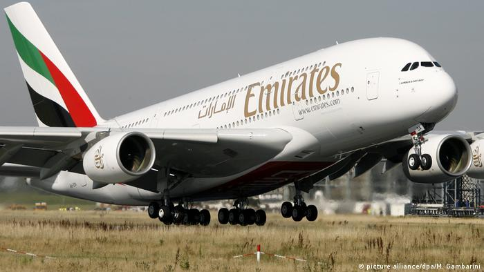 Emirates Airline | Airbus A380 (picture alliance/dpa/M. Gambarini)