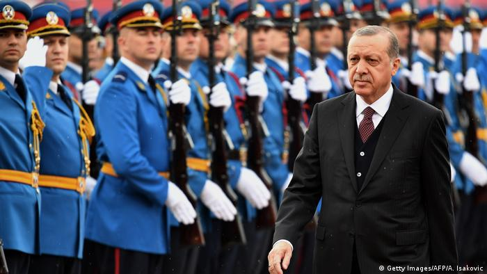 Recep Tayyip Erdogan in Belgrad (10.10.2017) (Getty Images/AFP/A. Isakovic)