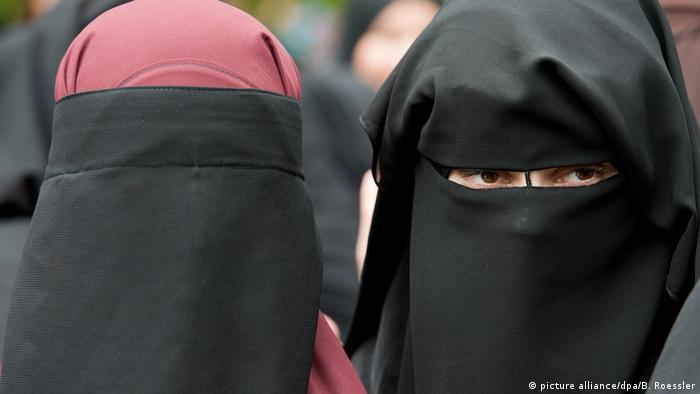 Mujeres con burka en Hesse, Alemania.