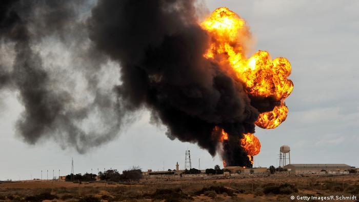 Libyen Öl-Pipeline Feuer Archiv (Getty Images/R.Schmidt)