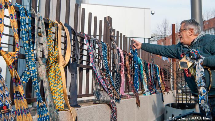 Kosovo Krawattenprotest in Pristina