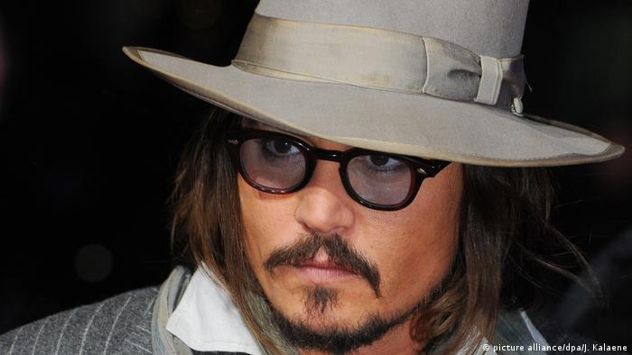 BG Borsalinohut - US-Schauspieler Johnny Depp (picture alliance/dpa/J. Kalaene)