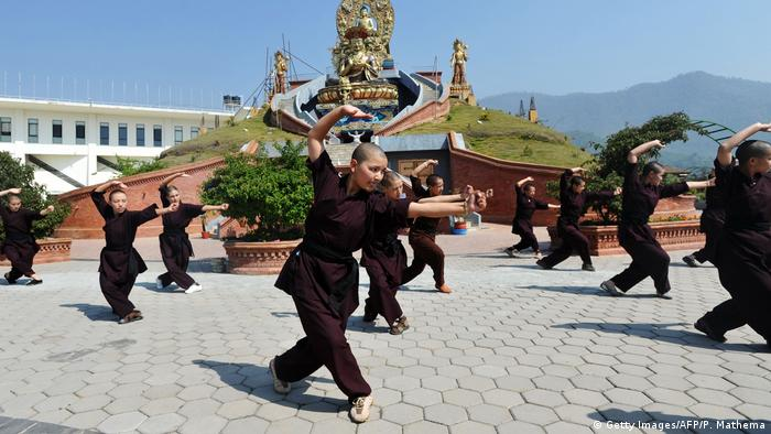 Kung Fu Nonnen (Getty Images/AFP/P. Mathema)