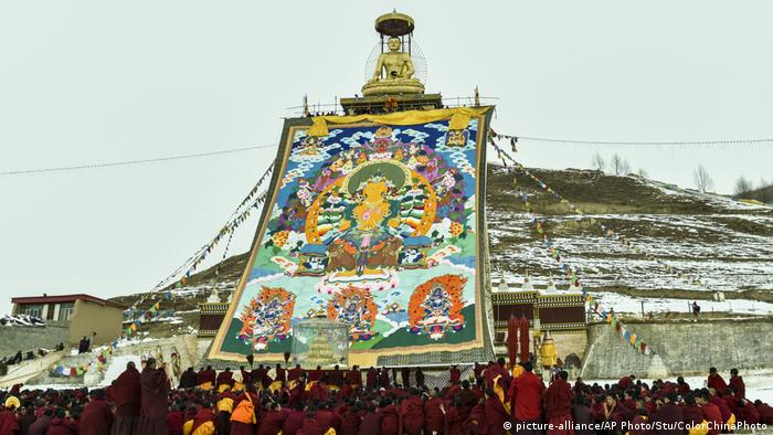 China Tibetisches Molang-Fest im Kirti-Kloster in Ngawa in Sichuan (picture-alliance/AP Photo/Stu/ColorChinaPhoto)