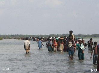Sri Lankan civilians have been displaced by the thousands