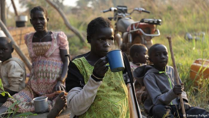 South Sudanese refugees flee to DRC (Simona Foltyn)
