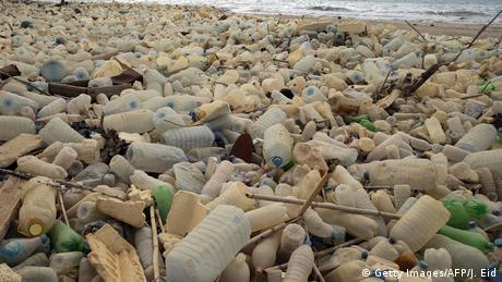 Єврокомісія вирішила активніше боротися з пластиковим сміттям
