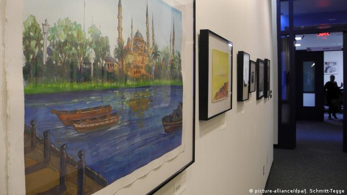 Exhibition Ode to the Sea: Art from Guantanamo (picture-alliance/dpa/J. Schmitt-Tegge)