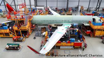 Монтаж аэробуса семейства А320 на заводе компании Airbus в Гамбурге