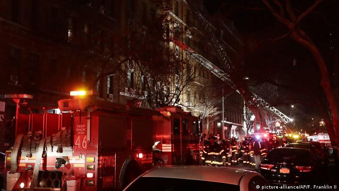 New York Bronx Feuer (picture-alliance/AP/F. Franklin II)