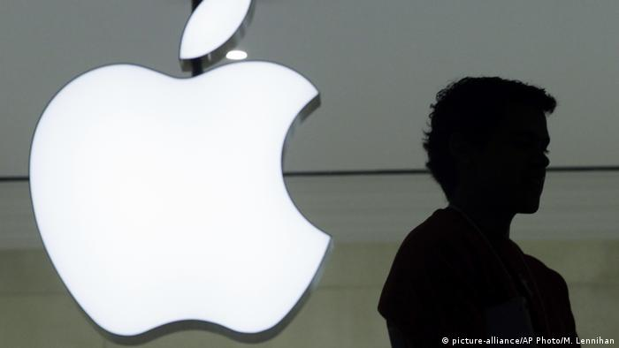 Apple-Logo (picture-alliance/AP Photo/M. Lennihan)